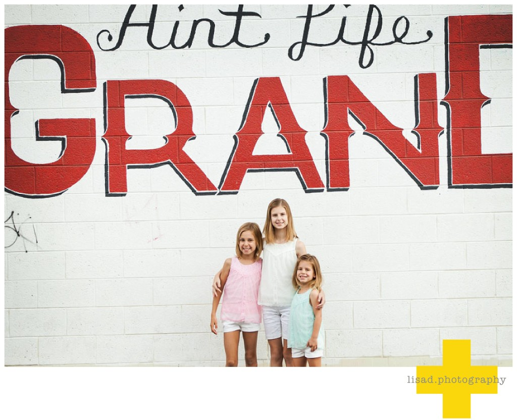 downtown phoenix children photography session | Lisa d. Photography | Ain't Life Grand Mural